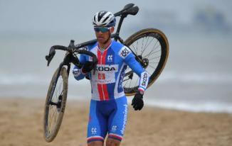 Zdenek Stybar sufre un Cyclo-Cross Worlds tras una entrada tardía